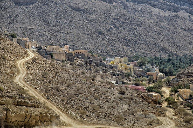 large_Near_Wadi_Bani_Khalid_1.jpg