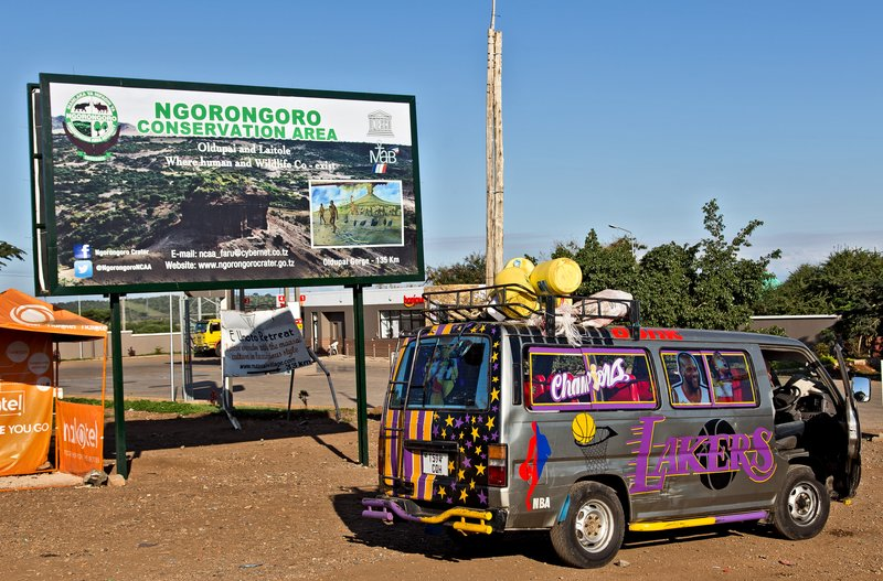large_Ngorongoro..Area_sign_1.jpg