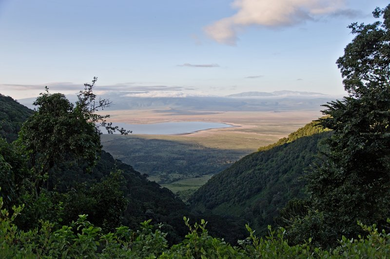 large_Ngorongoro..Exit_Road_1.jpg