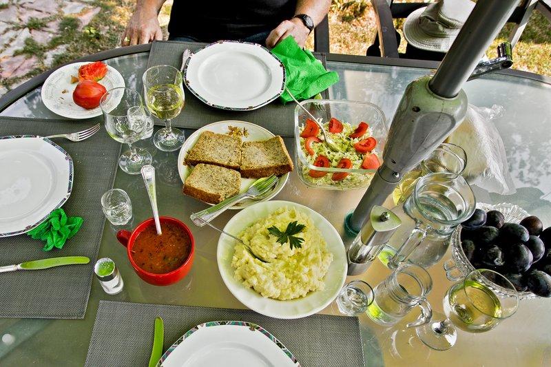 large_Nicolae_Po..m_-_Lunch_2.jpg