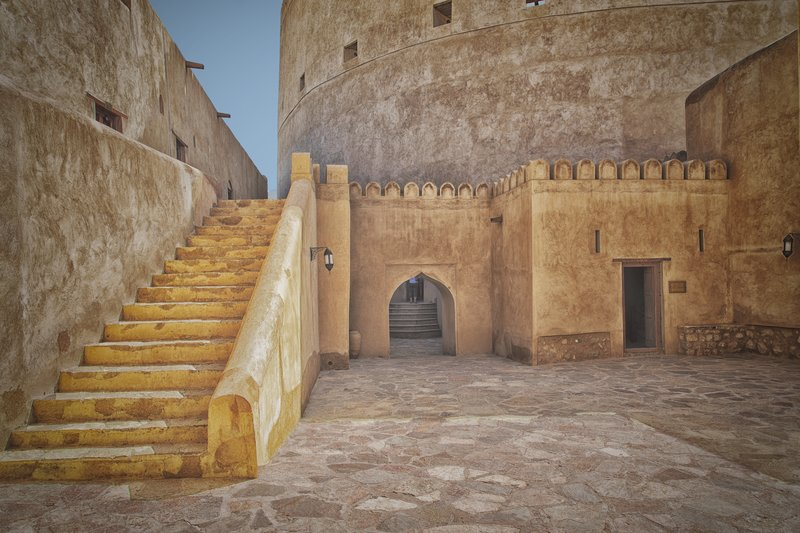 large_Nizwa_Fort_15.jpg