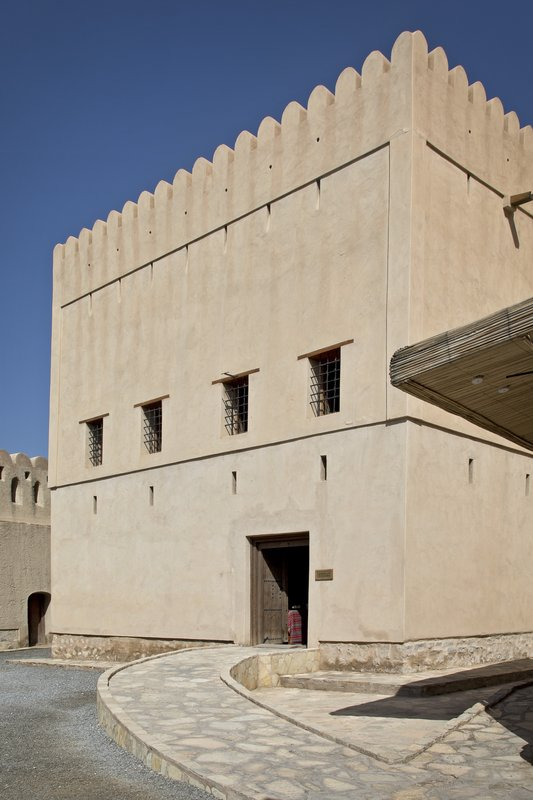 large_Nizwa_Fort_4.jpg