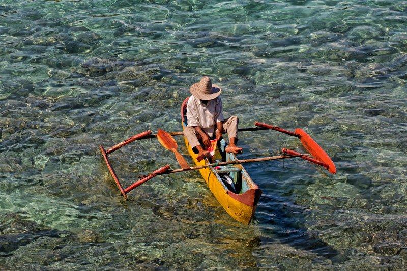 large_Outrigger_Canoe_4.jpg