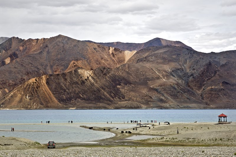 large_Pangong_Lake_14.jpg