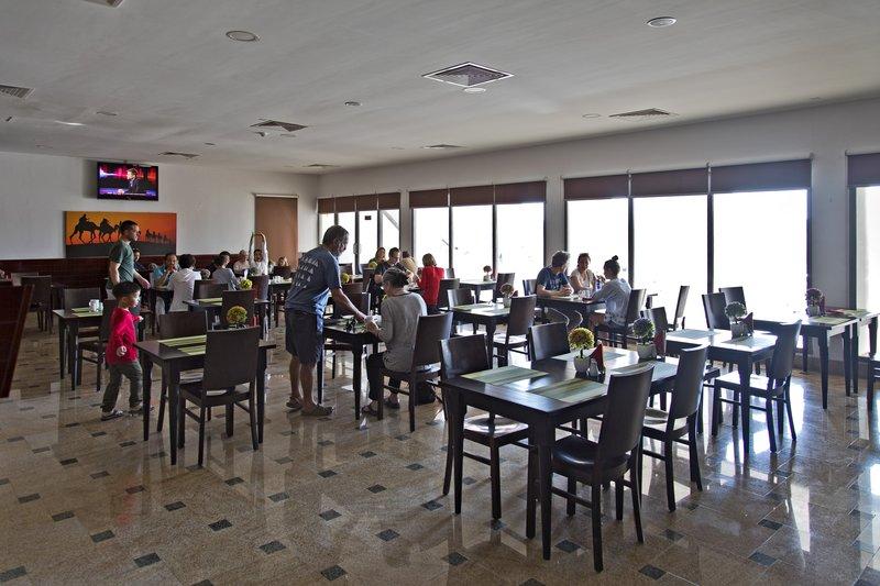large_Ras_al_Jinz_Hotel_8.jpg