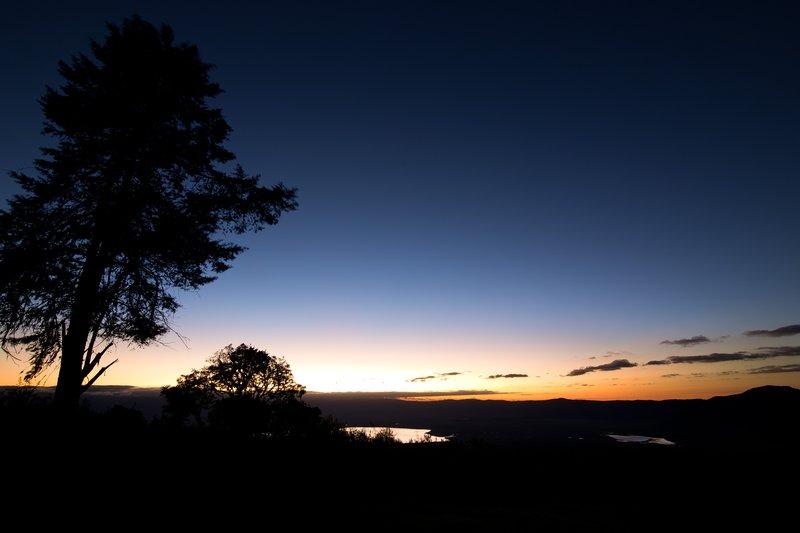 large_Sunrise_ov..ro_Crater_1.jpg