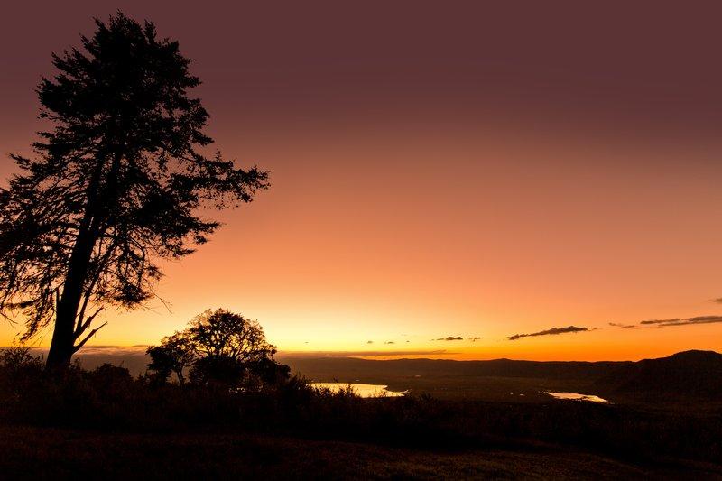 large_Sunrise_ov..ro_Crater_3.jpg