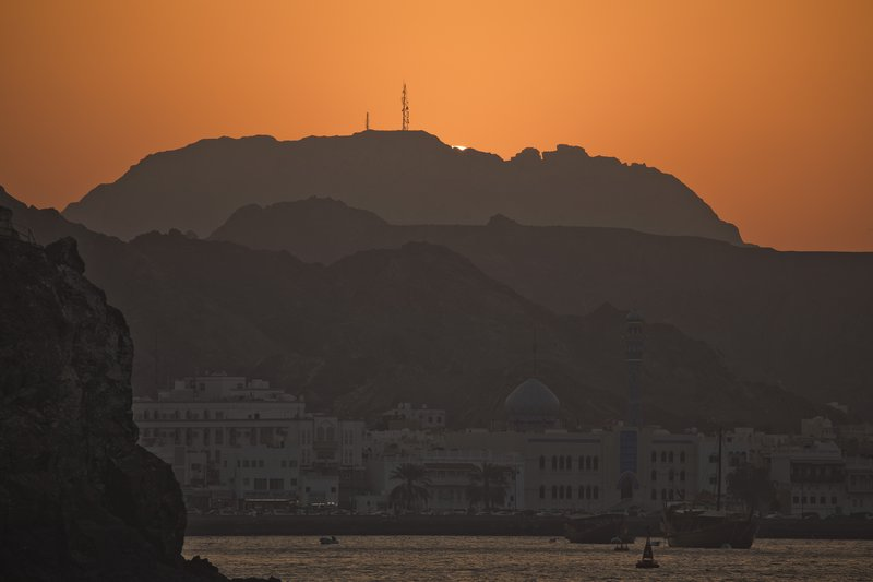 large_Sunset_on_..Corniche_17.jpg