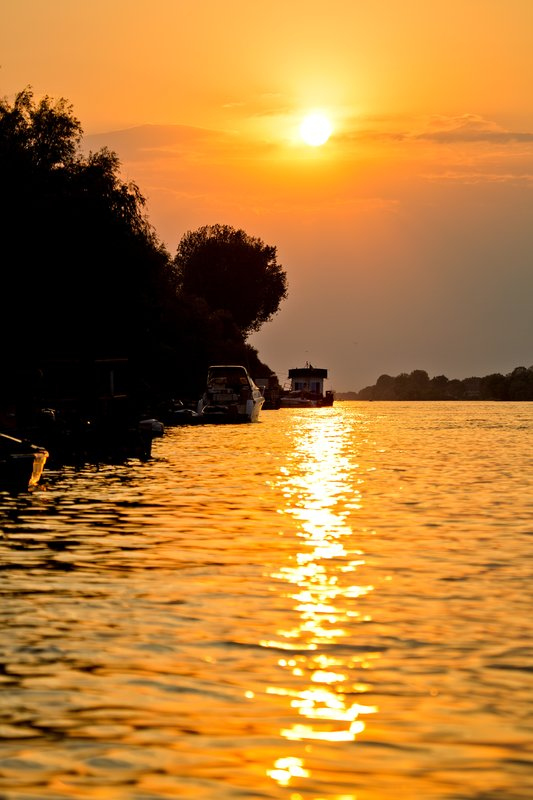 large_Sunset_on_the_Delta_5.jpg