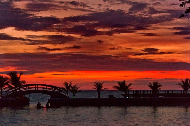 large_Sunset_ove.._Day_1___28.jpg