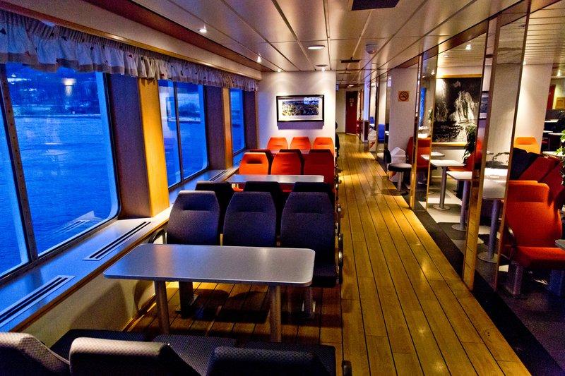 large_Svensby_-_..det_Ferry_8.jpg