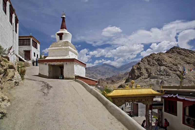 large_Thiksey_Monastery_17.jpg