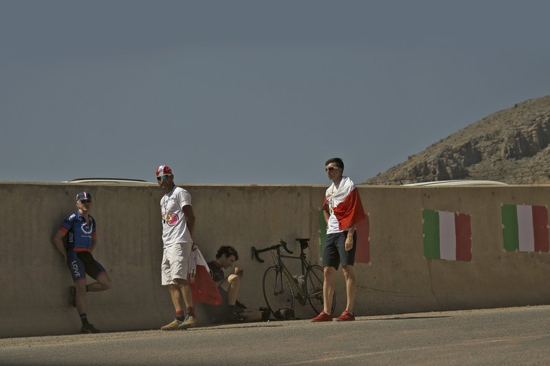 large_Tour_of_Oman_Supporters_1.jpg