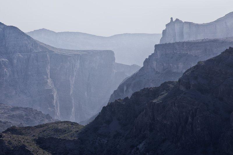 large_Wadi_Al_Ayn_4.jpg