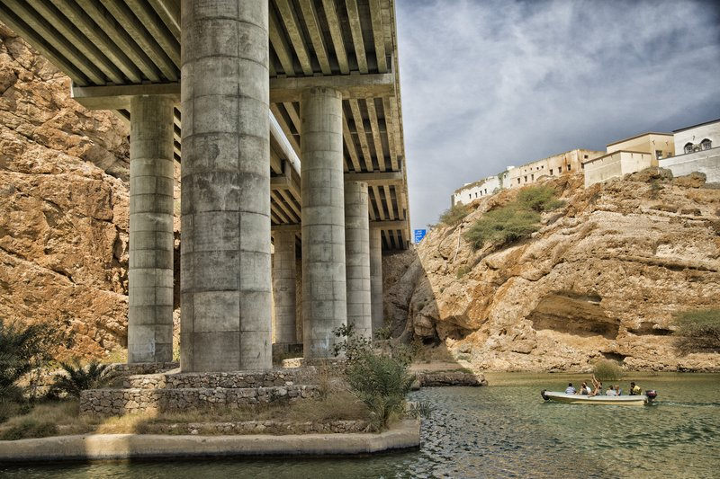 large_Wadi_Shab_Oasis_2.jpg