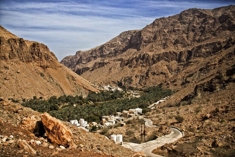 large_Wadi_Tiwi_3.jpg