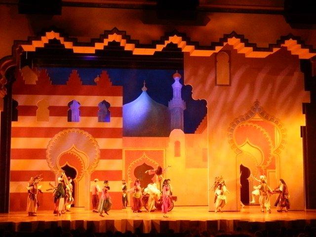 Disneyland California - Aladdin 2