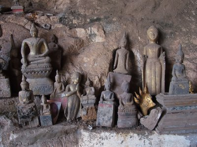 group of Buddhas, Pak Ou caves
