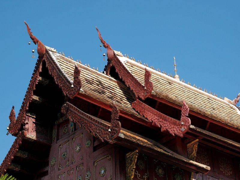 large_At_Wat_Phra_Singh.jpg