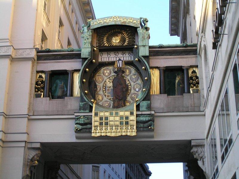 VIENNA_Anker Clock