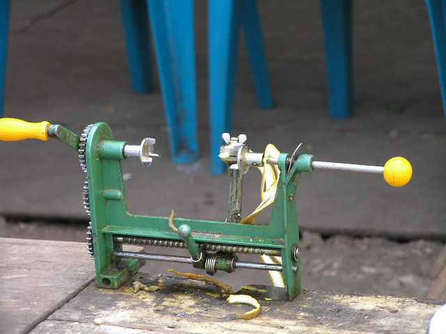 GUATEMALA - machine for oranges cleaning