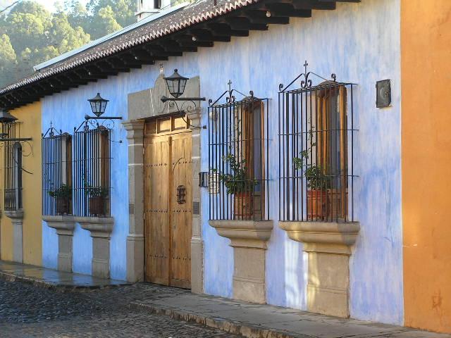 GUATEMALA, Antigua - blue house