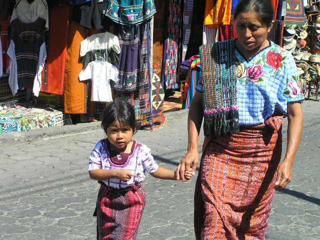 GUATEMALA - Lago Atitlan - Santiago Atitlan - on th emarket