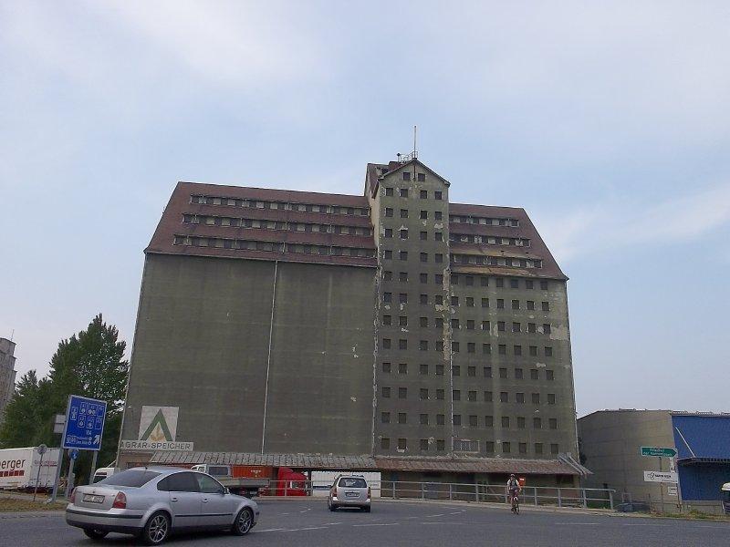 AU_V_warehouses of Albern Dock (1)
