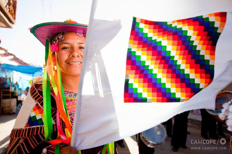large_Flag-of-the-Aymara.jpg