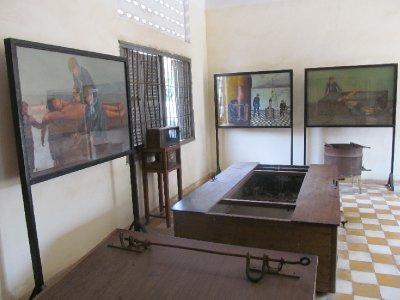 Tuol Sleng Genocide Museum - Torture mechanisms