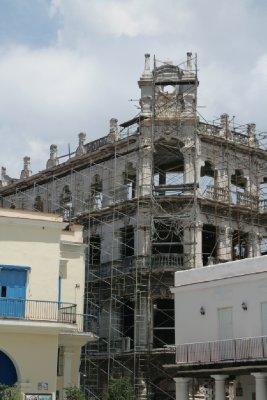 Cuba_SLR_BuildingsTall3.jpg
