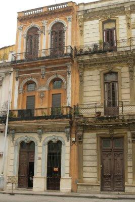 Cuba_SLR_Buildingstall1.jpg