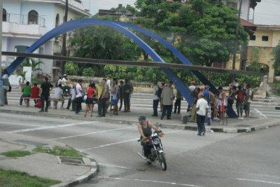 Cuba_SLR_Busstops.jpg