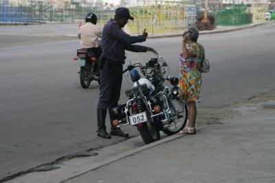 Cuba_SLR_Police6.jpg