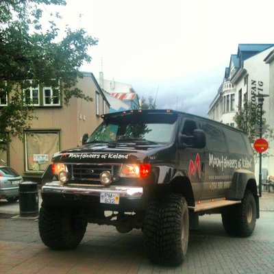 Mob_Iceland_truck