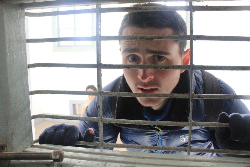 prison 8