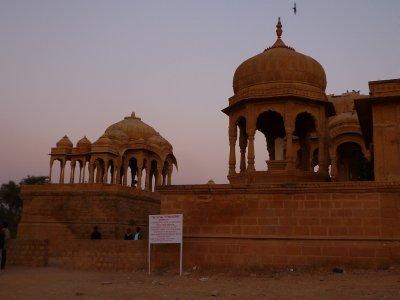 the tombs of Jaisalmer