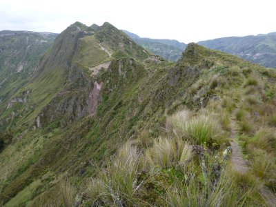 The trail around the crater rim, Ecuador's version of the knife edge