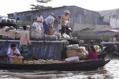 Floating market in full swing