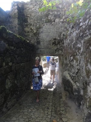 Going thru a little tunnel on our way up to the castle