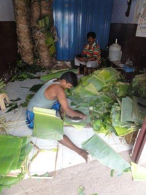 Banana leaf plate production