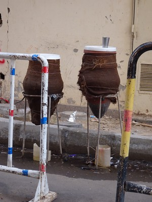 Very clever water filtration system used all over Egypt