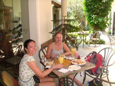 Having lunch in Santa Cruz