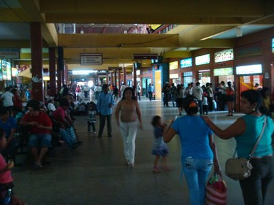 Bus station in Santa Cruz