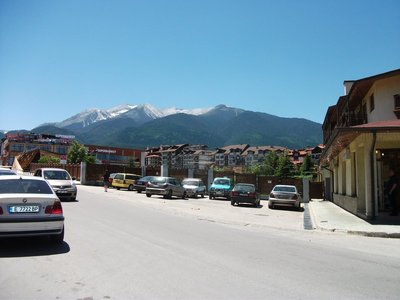 bansko_mountains.jpg