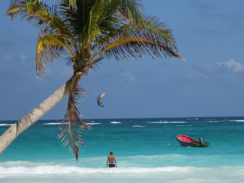 Kite surfing on the beach in Tulum