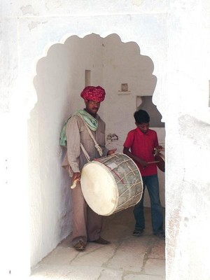 1152147-Drummer-in-the-fort-1.jpg