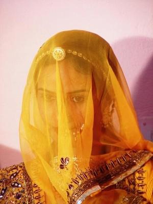 1152205-A-glimpse-of-the-bride-1.jpg
