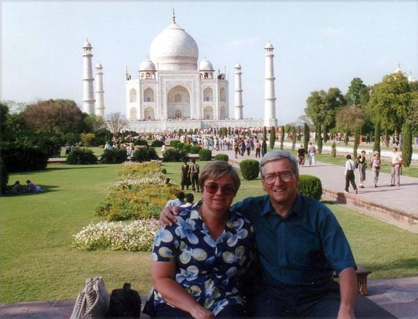 large_159434-At-the-Taj-Mahal-in-1997-0.jpg