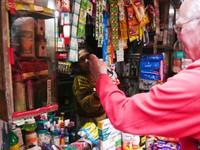 Varanasi_Shopping at a hole-in-the-wall